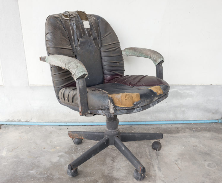 Office Environments Signs You Need A New Office Chair Office